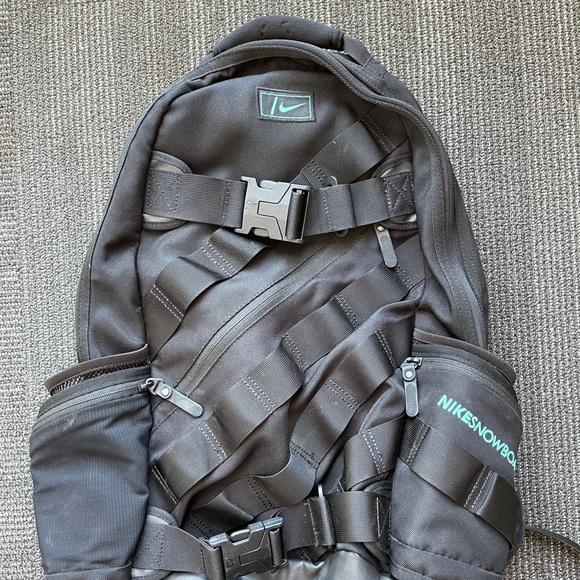 Nike snowboarding backpack